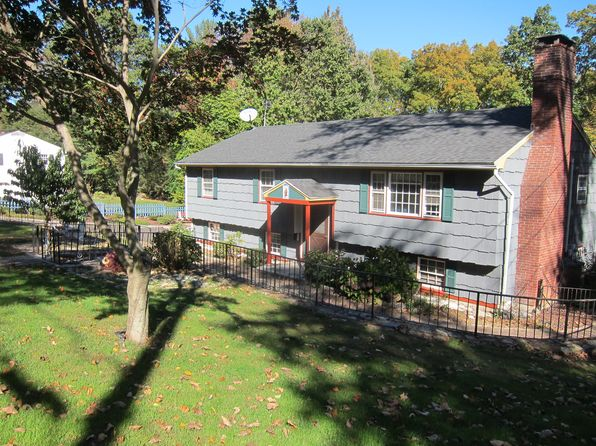 3 bed 2 bath Single Family at 23 QUAKER RIDGE RD SHELTON, CT, 06484 is for sale at 420k - 1 of 18