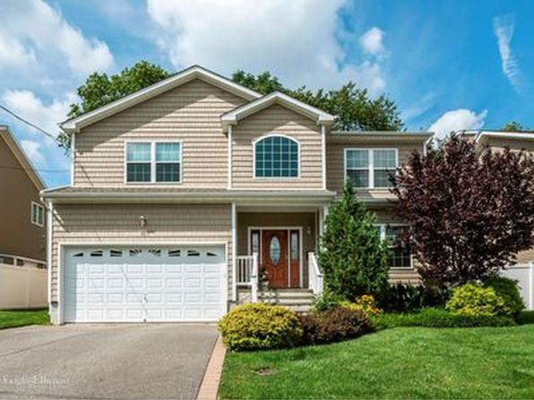 4 bed 3 bath Single Family at 95 Convent Rd Syosset, NY, 11791 is for sale at 989k - google static map