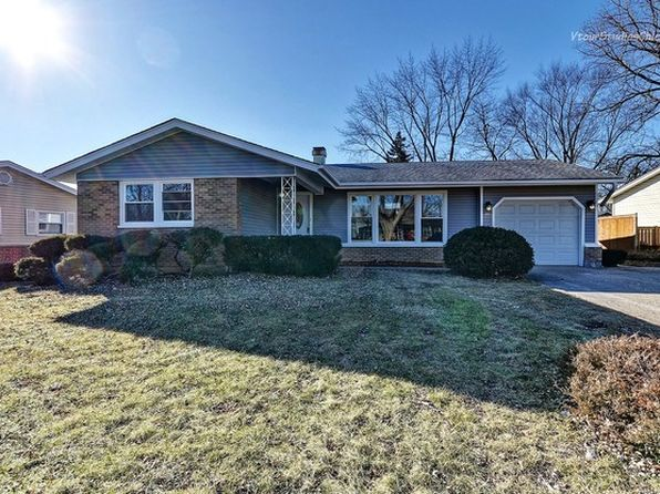 3 bed 2 bath Single Family at 590 Charing Cross Rd Elk Grove Village, IL, 60007 is for sale at 290k - 1 of 22