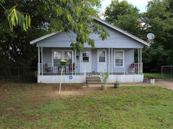 2 bed 1 bath Single Family at 111 E Niblick St Longview, TX, 75604 is for sale at 61k - google static map