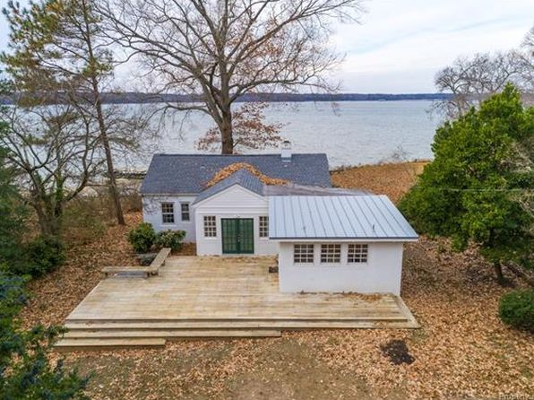 1 bed 2 bath Single Family at 1384 Mercer Rd Gloucester Point, VA, 23062 is for sale at 399k - 1 of 32