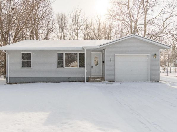 3 bed 1 bath Single Family at 604 Pine St Paw Paw, MI, 49079 is for sale at 113k - 1 of 18
