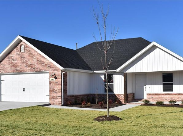 3 bed 2 bath Single Family at 840 Benton St Prairie Grove, AR, 72753 is for sale at 146k - 1 of 14