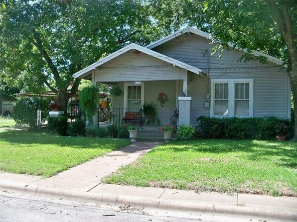 2 bed 2 bath Single Family at 511 W 12th St Coleman, TX, 76834 is for sale at 55k - 1 of 33