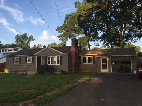 3 bed 2 bath Single Family at 9 Midland Rd Windsor Locks, CT, 06096 is for sale at 205k - 1 of 6