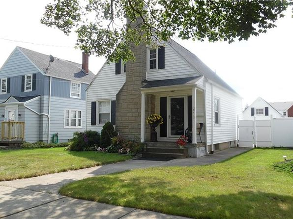 2 bed 1 bath Single Family at 2713 Woodlawn Ave Niagara Falls, NY, 14301 is for sale at 102k - 1 of 11
