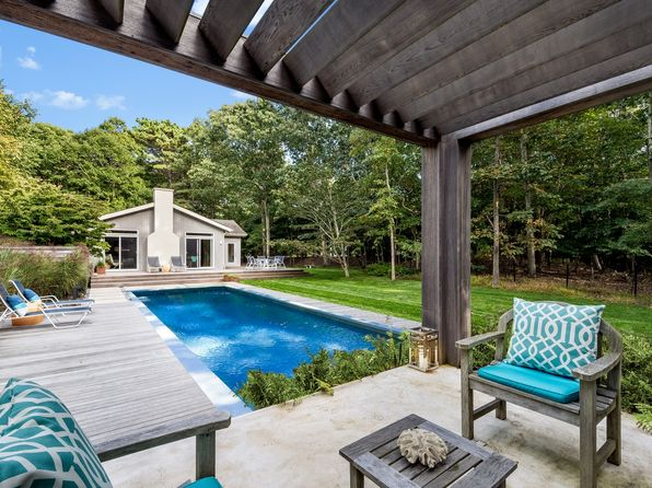 3 bed 2 bath Single Family at 11 Wheelock Walk East Hampton, NY, 11937 is for sale at 1.10m - 1 of 19