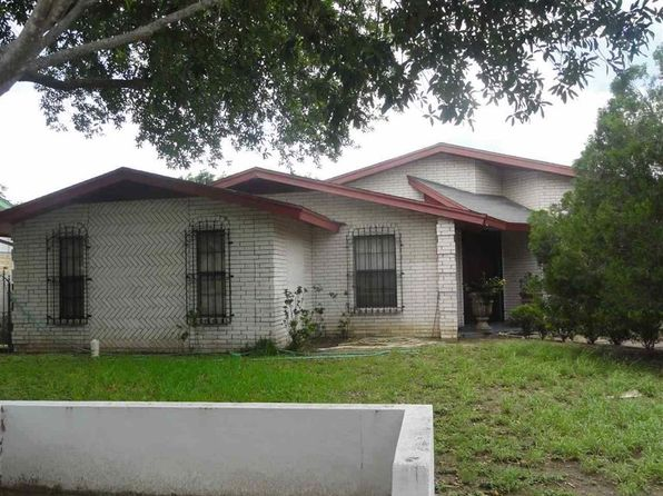 4 bed 3 bath Single Family at 111 Ceniso Loop Laredo, TX, 78046 is for sale at 145k - 1 of 9