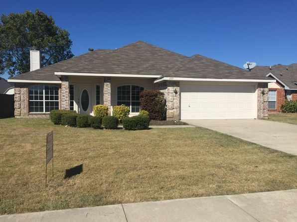 3 bed 2 bath Single Family at 1219 CLAY LN SEAGOVILLE, TX, 75159 is for sale at 198k - 1 of 9