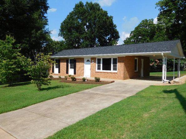 3 bed 1 bath Single Family at 124 Martindale Dr Danville, VA, 24541 is for sale at 109k - 1 of 22