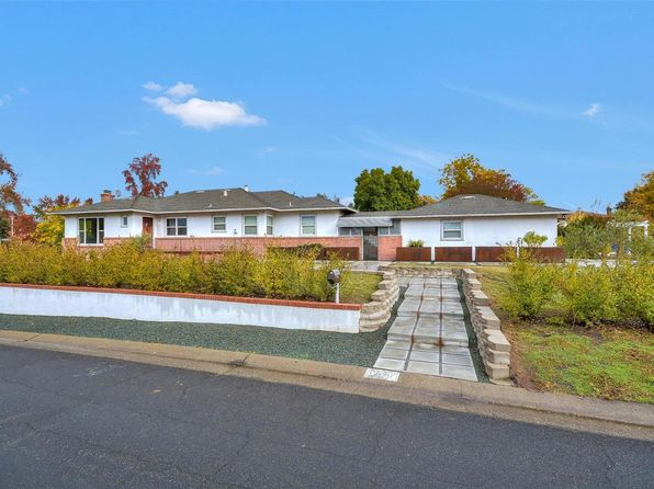 2 bed 3 bath Single Family at 4121 Moss Dr Sacramento, CA, 95822 is for sale at 675k - 1 of 24