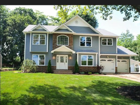 4 bed 3 bath Single Family at 237 Bogert Pl Paramus, NJ, 07652 is for sale at 895k - 1 of 17