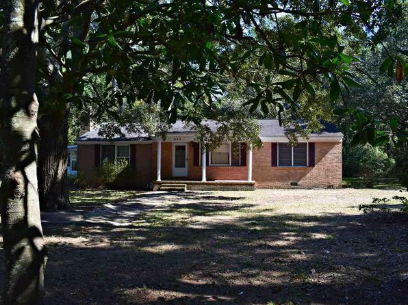 4 bed 1 bath Single Family at 612 PARKERSVILLE RD PAWLEYS ISLAND, SC, 29585 is for sale at 144k - 1 of 18