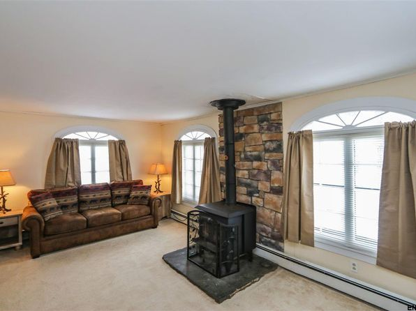 3 bed 1.1 bath Single Family at 208 S Perry St Johnstown, NY, 12095 is for sale at 72k - 1 of 25