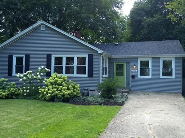 2 bed 1 bath Single Family at 509 McKinley St Batavia, IL, 60510 is for sale at 180k - 1 of 34