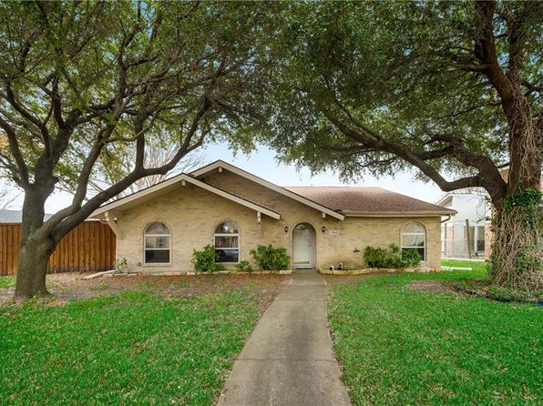 4 bed 2 bath Single Family at 2804 Charter Oak Dr Plano, TX, 75074 is for sale at 267k - 1 of 29