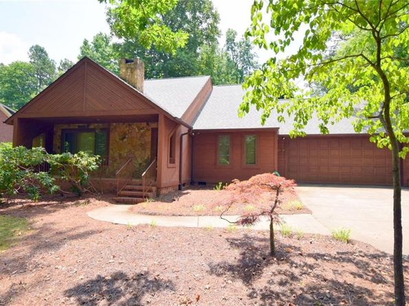 2 bed 2 bath Single Family at 2200 Gordon Rd High Point, NC, 27265 is for sale at 175k - 1 of 29