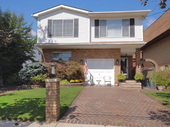3 bed null bath Single Family at 871 Sheldon Ave Staten Island, NY, 10309 is for sale at 779k - 1 of 22