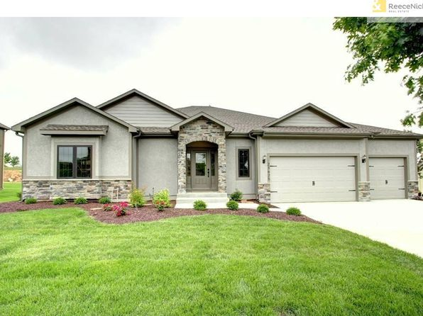 4 bed 3 bath Single Family at 6920 Kenton St Shawnee, KS, 66226 is for sale at 420k - 1 of 7