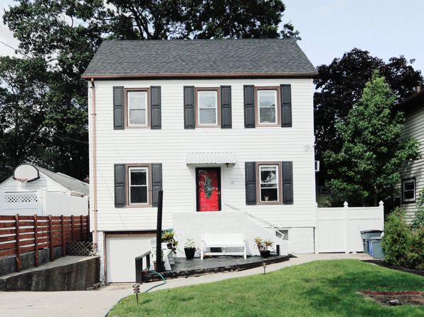 3 bed 2 bath Single Family at 171 E Oxford St Valley Stream, NY, 11580 is for sale at 445k - 1 of 5