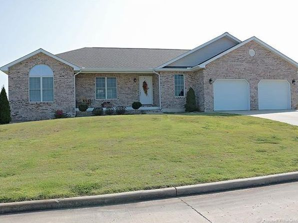 3 bed 2 bath Single Family at 1434 VANTAGE DR CAPE GIRARDEAU, MO, 63701 is for sale at 260k - 1 of 33