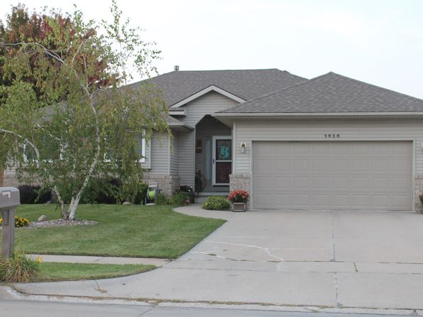 3 bed 3 bath Single Family at 1430 Watson St Fremont, NE, 68025 is for sale at 224k - 1 of 15