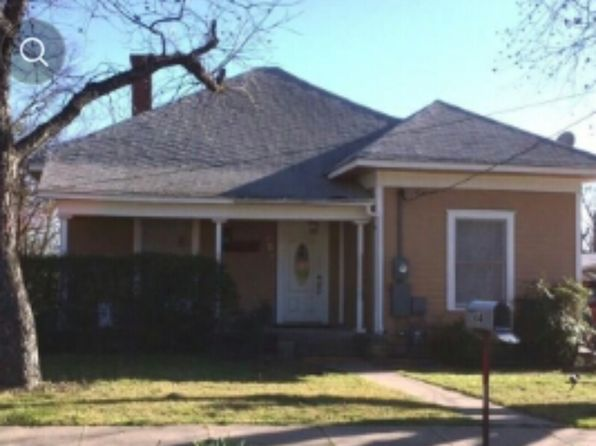 4 bed 3 bath Single Family at 304 W NEELY AVE COMANCHE, TX, 76442 is for sale at 79k - 1 of 12