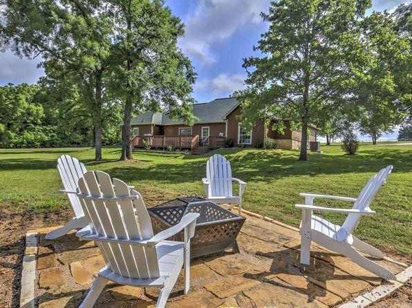 4 bed 2 bath Single Family at 119 Sweetwater Trl Kerens, TX, 75144 is for sale at 269k - 1 of 36