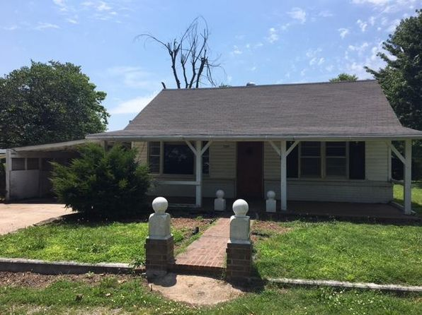 2 bed 1 bath Single Family at 205 Wilson Ave Aurora, MO, 65605 is for sale at 30k - google static map