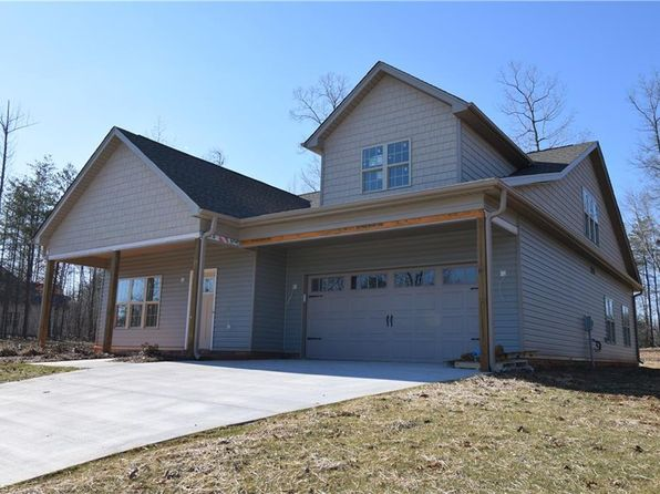 4 bed 3 bath Single Family at 184 Cross Country Chase Stokesdale, NC, 27357 is for sale at 269k - 1 of 16