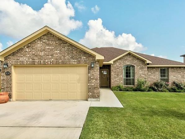 4 bed 2 bath Single Family at 626 Indian Blanket Lockhart, TX, 78644 is for sale at 268k - 1 of 38