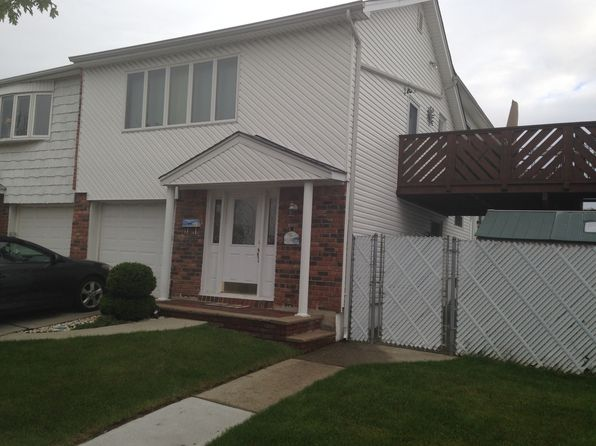 4 bed 4 bath Single Family at 59 Ladd Ave Staten Island, NY, 10312 is for sale at 585k - 1 of 14