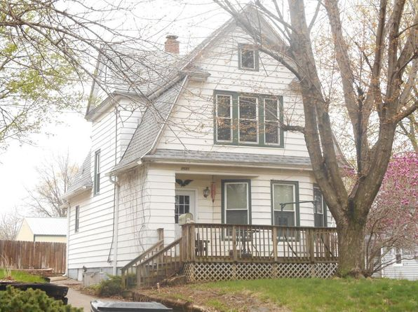3 bed 2 bath Single Family at 2021 Belle Ave Davenport, IA, 52803 is for sale at 130k - 1 of 19