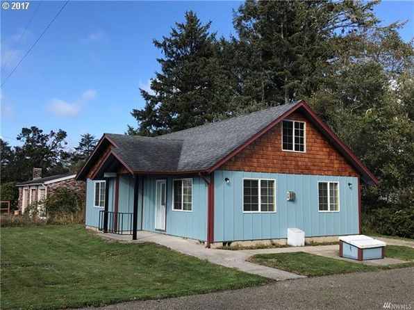 2 bed 2 bath Single Family at 206 13th St Long Beach, WA, 98631 is for sale at 174k - google static map