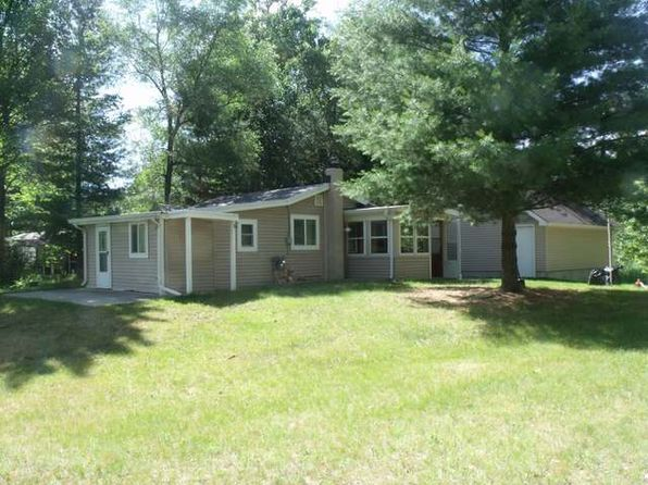 2 bed 1 bath Single Family at 5500 Half Moon Dr Lake, MI, 48632 is for sale at 48k - 1 of 18