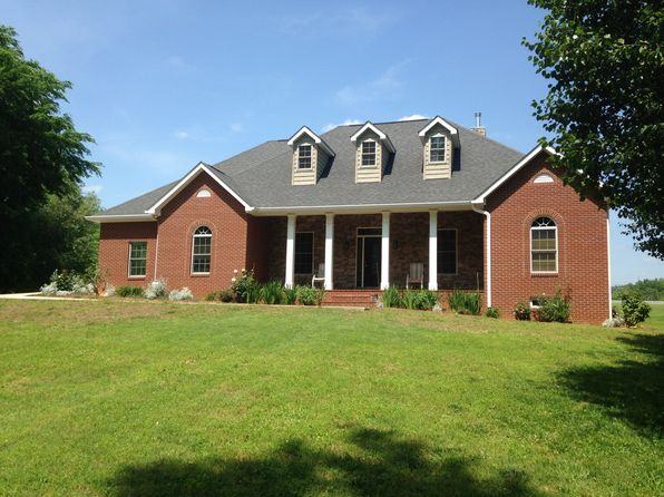 4 bed 4 bath Single Family at 129 Lakeview Hts Byrdstown, TN, 38549 is for sale at 309k - 1 of 8