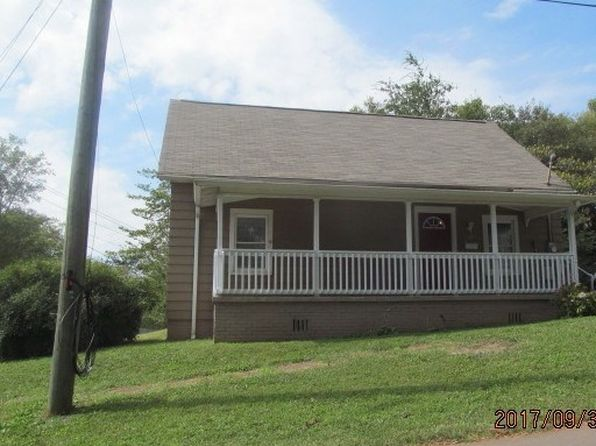 2 bed 1 bath Single Family at 601 Luckie St Dalton, GA, 30720 is for sale at 120k - 1 of 14