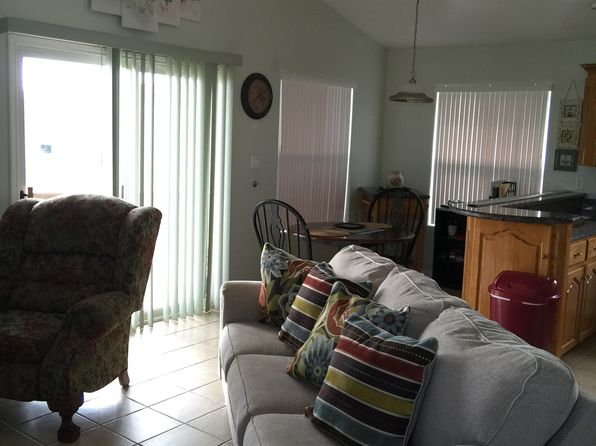 2 bed 2 bath Single Family at 129 E BONNET CIR PORT ISABEL, TX, 78578 is for sale at 107k - 1 of 15