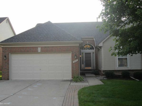 2 bed 2 bath Condo at 944 Churchill Cir Rochester, MI, 48307 is for sale at 355k - 1 of 31