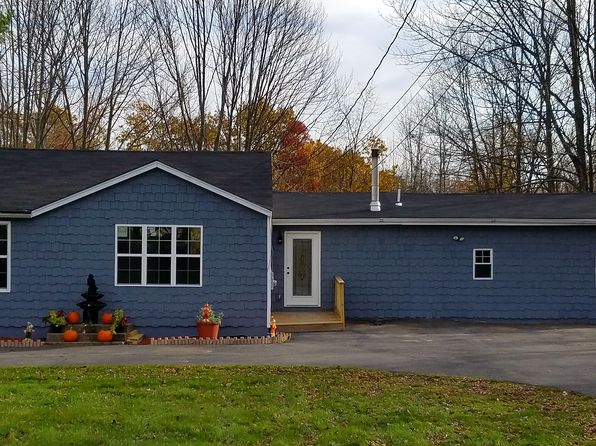 3 bed 2 bath Single Family at 1457 Greenville Tpke Port Jervis, NY, 12771 is for sale at 265k - 1 of 22