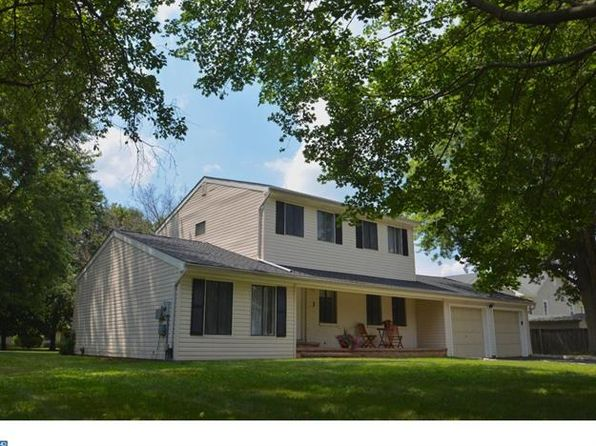 3 bed 3 bath Single Family at 3 Barkley Ct Monmouth Junction, NJ, 08852 is for sale at 429k - 1 of 23