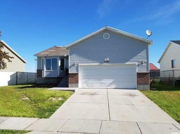 5 bed 3 bath Single Family at 1738 W Featherstone N Cir Salt Lake City, UT, 84116 is for sale at 290k - 1 of 33