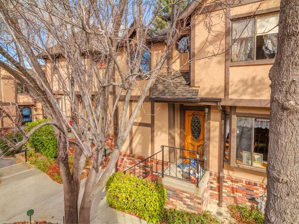 3 bed 3 bath Condo at 180 STATE HWY LAKE ARROWHEAD, CA, 92352 is for sale at 550k - 1 of 29