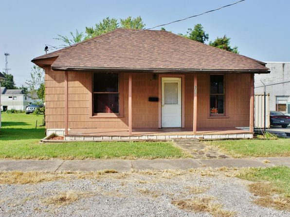 2 bed 1 bath Single Family at 306 W 11th St Metropolis, IL, 62960 is for sale at 20k - 1 of 18