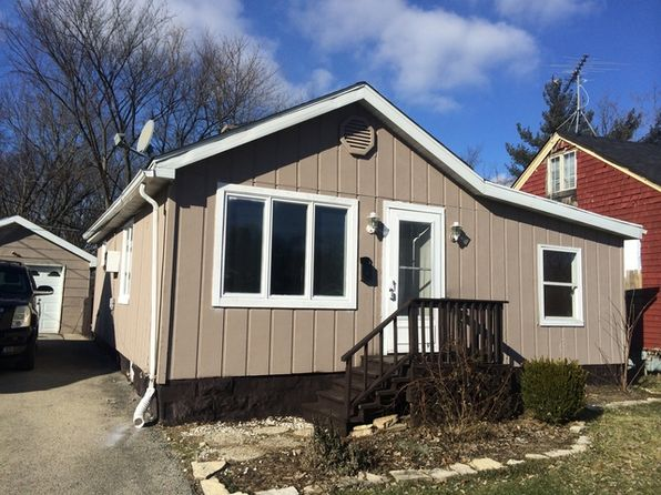 2 bed 1 bath Single Family at 11 NW Circle Dr Joliet, IL, 60433 is for sale at 82k - 1 of 5