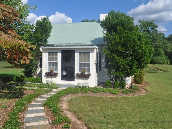2 bed 1 bath Single Family at 7335 Pegram Rd Belews Creek, NC, 27009 is for sale at 599k - 1 of 30