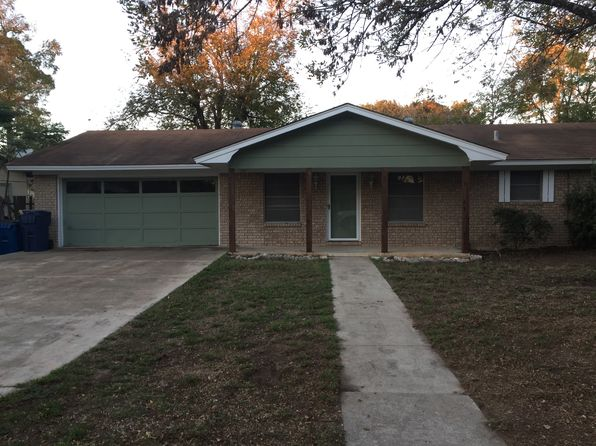 3 bed 2 bath Single Family at 916 Hillcrest Dr Pleasanton, TX, 78064 is for sale at 140k - 1 of 38