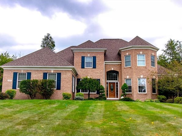 5 bed 4 bath Single Family at 8418 Forestview Cir Macedonia, OH, 44056 is for sale at 415k - 1 of 33