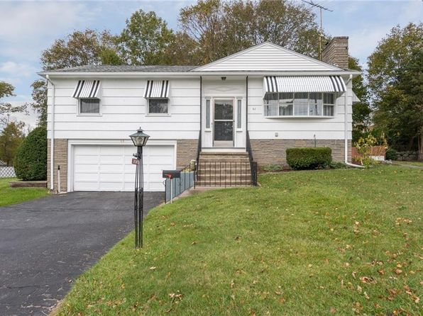 3 bed 2 bath Single Family at 61 Meadowcrest Dr Cumberland, RI, 02864 is for sale at 250k - 1 of 22