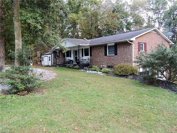 3 bed 3 bath Condo at 216 Dundeve Cir Hendersonville, NC, 28792 is for sale at 259k - 1 of 17